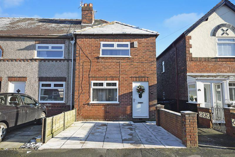 3 Bedrooms Town House for sale in Mayfair Grove, Widnes