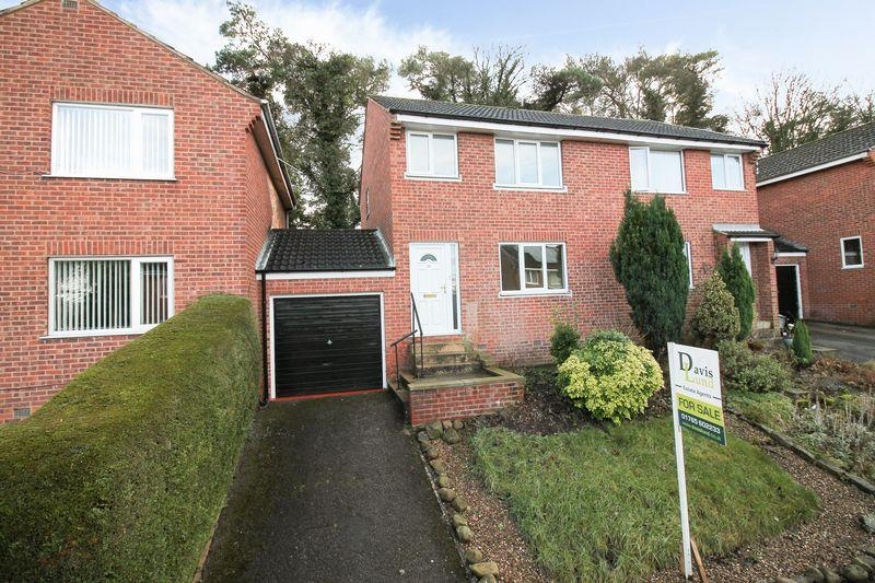 3 Bedrooms Semi Detached House for sale in Moorside Dale, Ripon