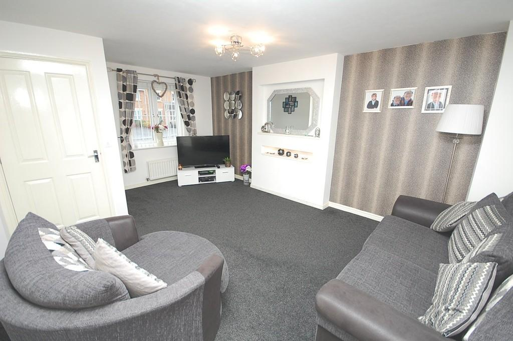 3 Bedrooms End Of Terrace House for sale in The Feathers, Eccleston