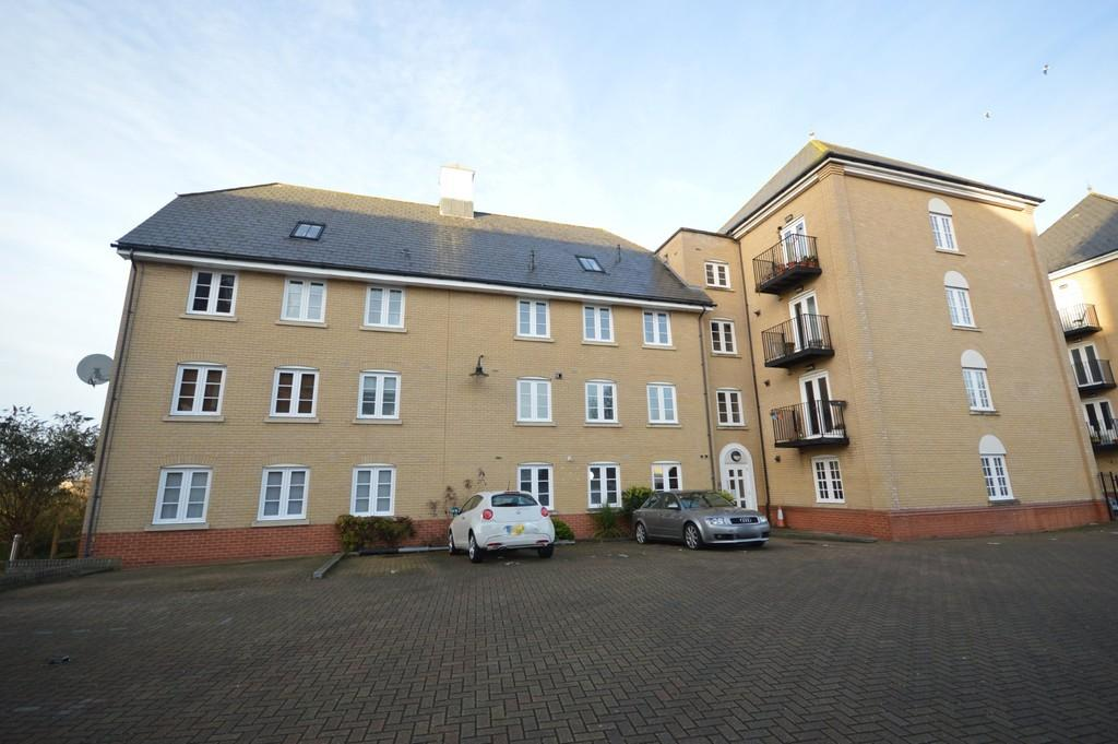 2 Bedrooms Penthouse Flat for sale in Grosvenor Place, Colchester