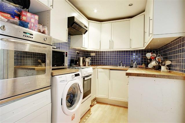 4 Bedrooms Terraced House for rent in Cumberland Road, Manor Park