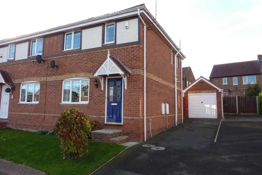 3 Bedrooms Semi Detached House for sale in Mcloughlin Way, Kiveton Park