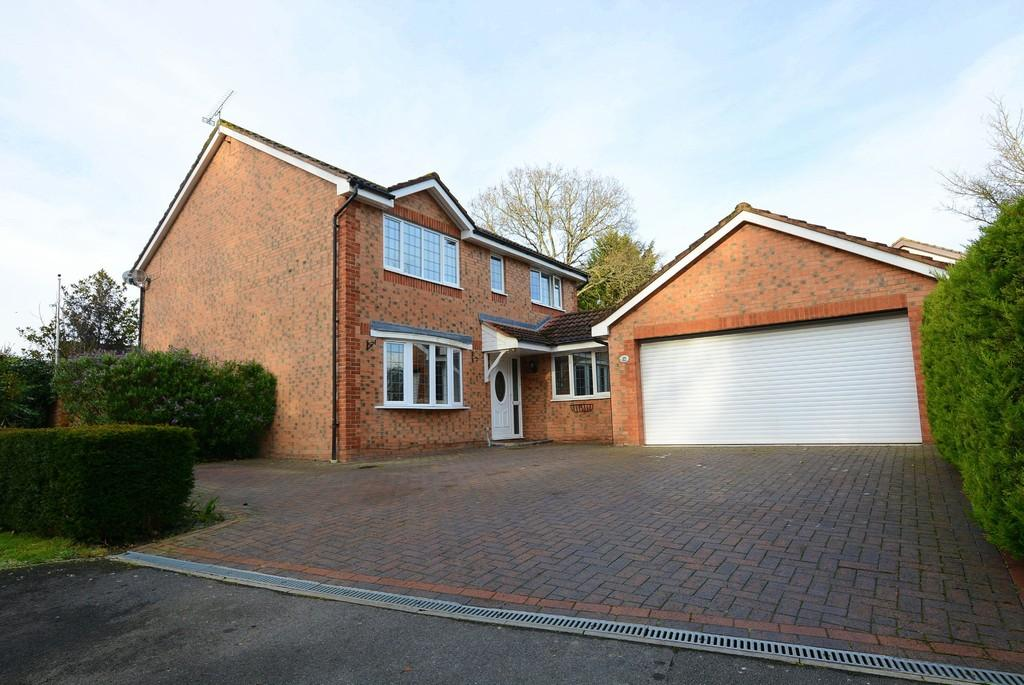 4 Bedrooms Detached House for sale in Summer Fields, VERWOOD
