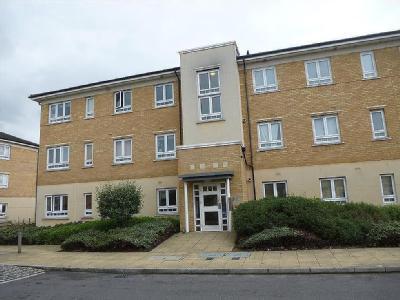2 Bedrooms Flat for sale in Ochre Court, Elvedon Road, Feltham