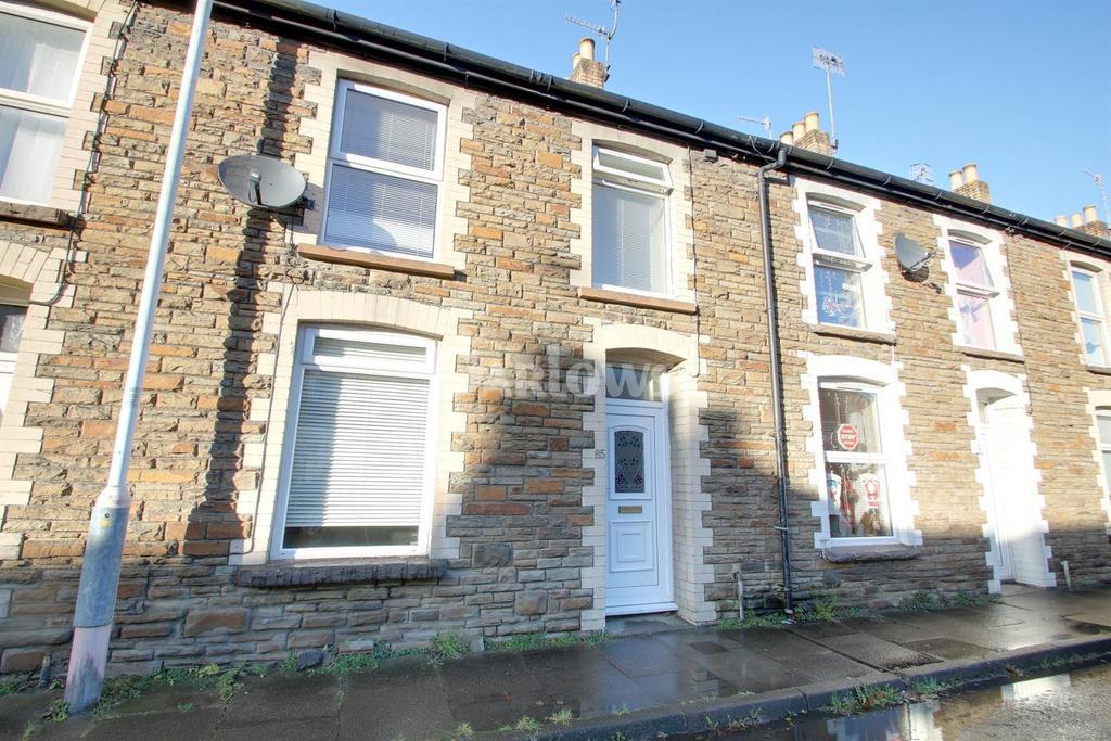 3 Bedrooms Terraced House for sale in Hanbury Road, Pontypool