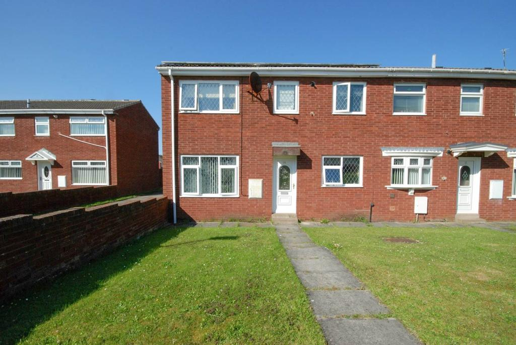 3 Bedrooms Semi Detached House for sale in Lowland Close, Hall Farm