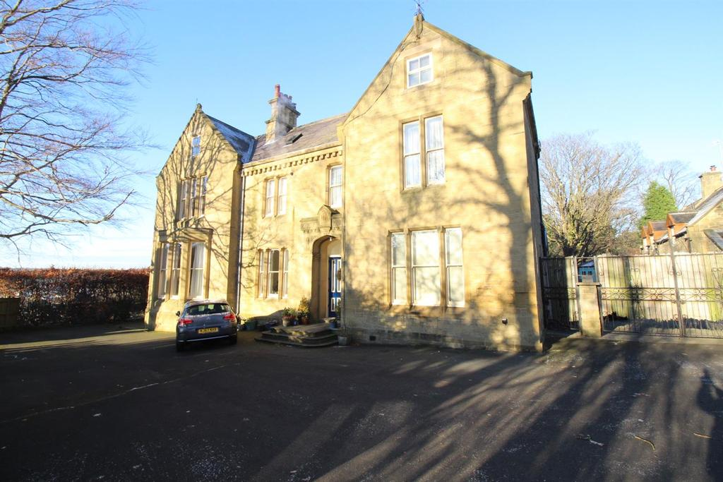 2 Bedrooms Apartment Flat for sale in Otterburn Gardens, Low Fell, Gateshead
