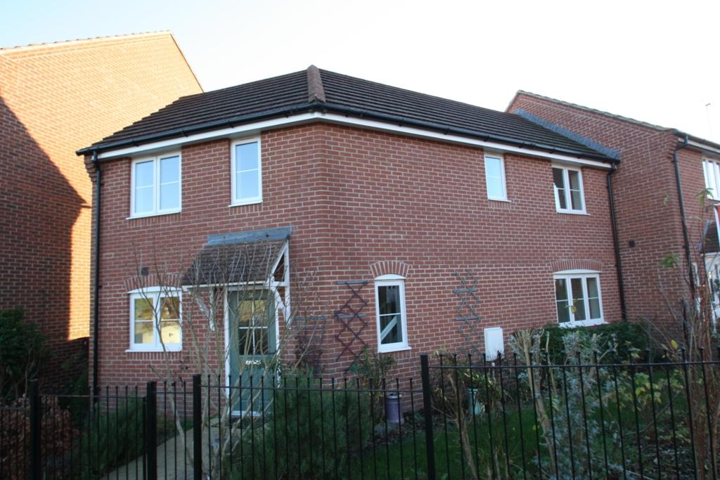 3 Bedrooms Semi Detached House for sale in Andover