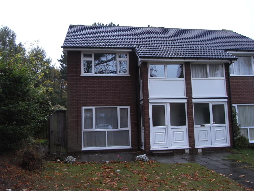 2 Bedrooms Town House for rent in Manor Hill, Sutton Coldfield B73