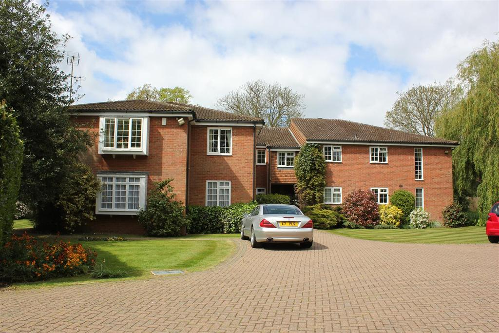 2 Bedrooms Apartment Flat for sale in East Hanningfield, Chelmsford
