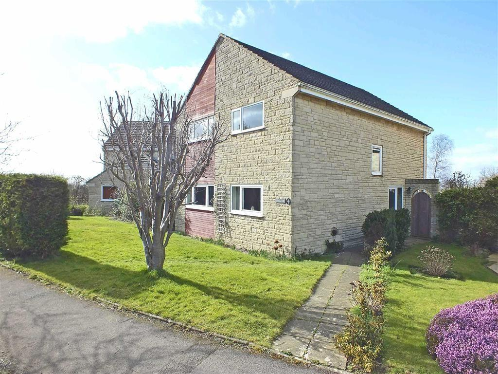 4 Bedrooms Detached House for sale in Britannia Way, Woodmancote, Cheltenham, GL52