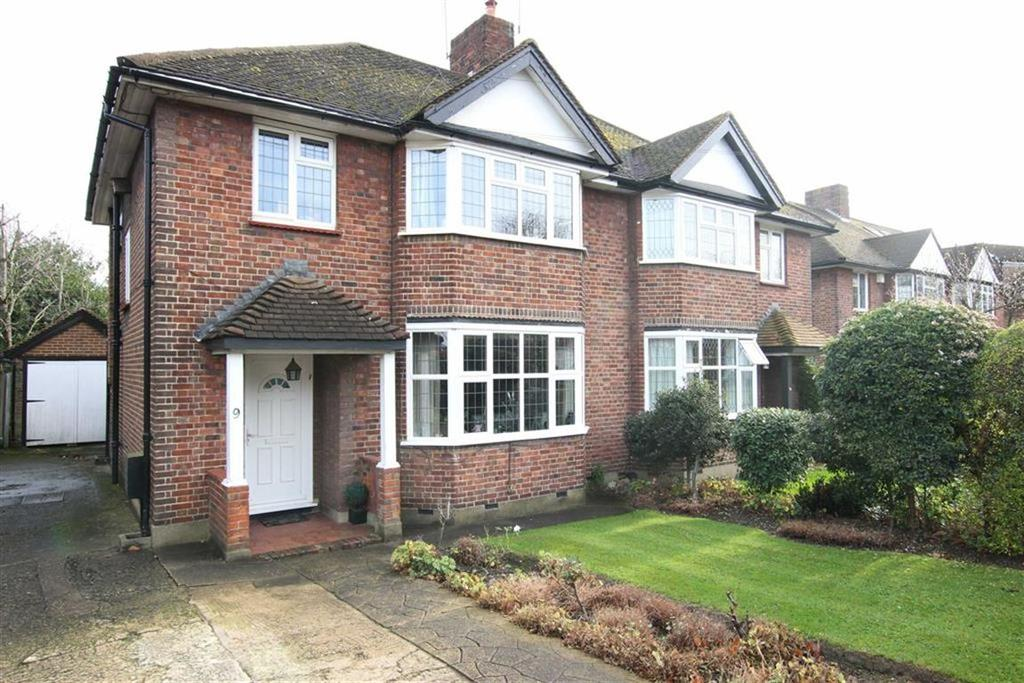 3 Bedrooms Semi Detached House for sale in Offham Slope, Woodside Park, London