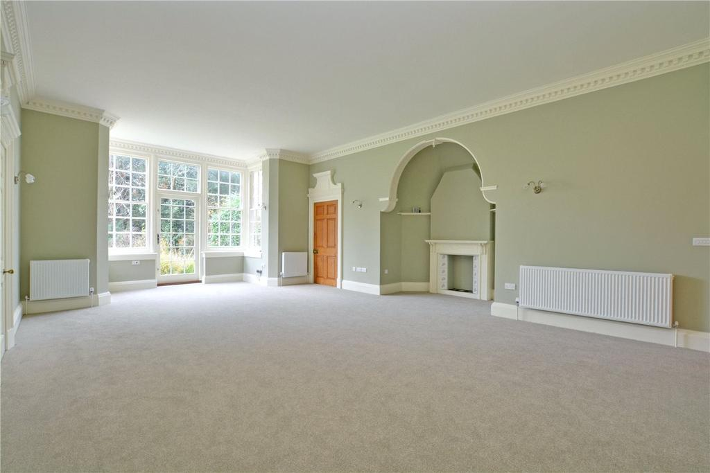 2 Bedrooms Flat for sale in Chesil House, St. Pauls Cray Road, Chislehurst, BR7