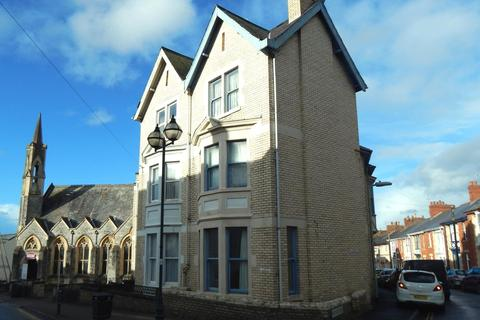 Terraced house to rent - Portland Street, Newport