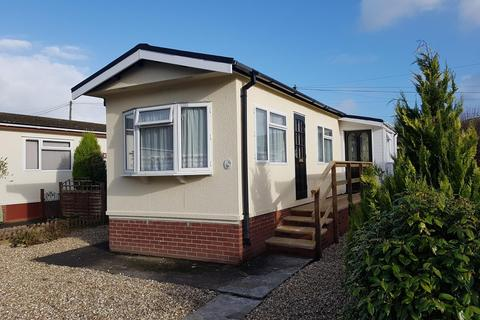 2 bedroom detached bungalow to rent - Mill on the Mole Residential Park, South Molton