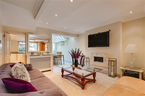 4 Bedrooms House for sale in LAMONT ROAD, LONDON, SW10