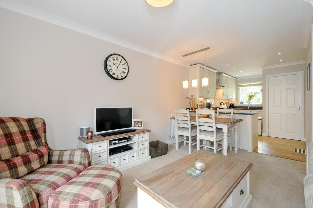 2 Bedrooms Terraced House for sale in Riverdale Drive, Earlsfield