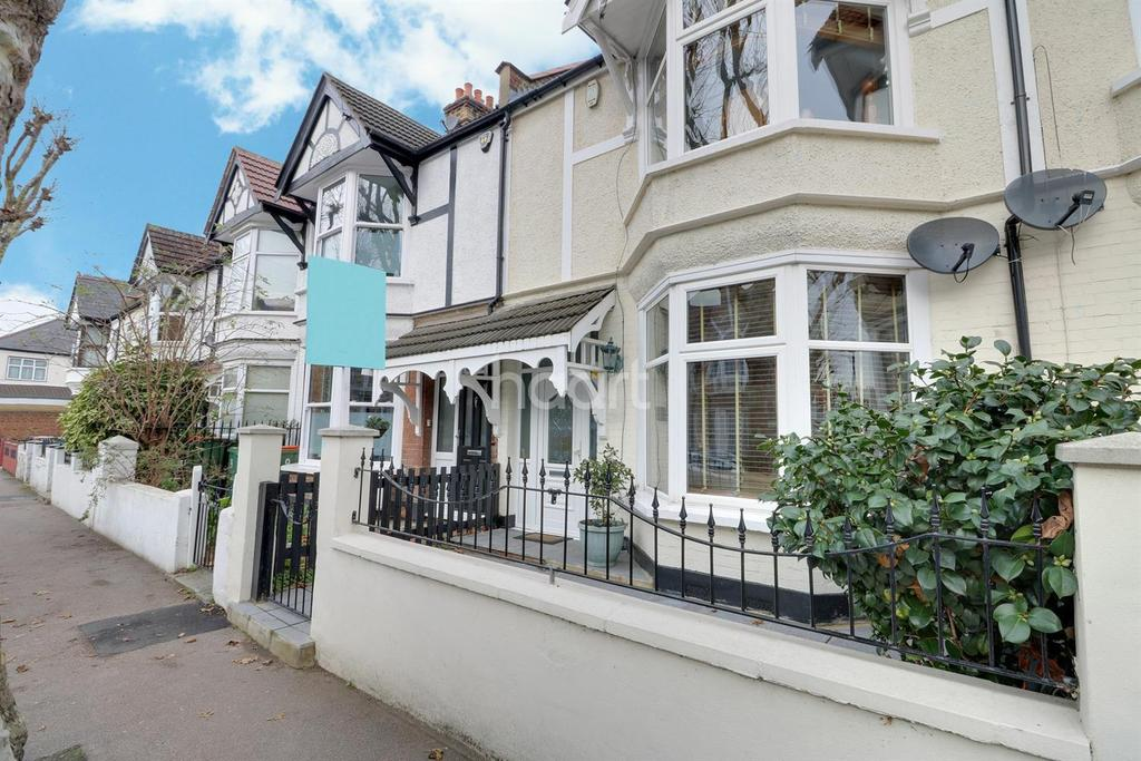 3 Bedrooms Terraced House for sale in Montpelier Gardens