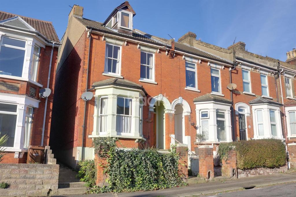 5 Bedrooms End Of Terrace House for sale in Jersey Road, Strood, ME2