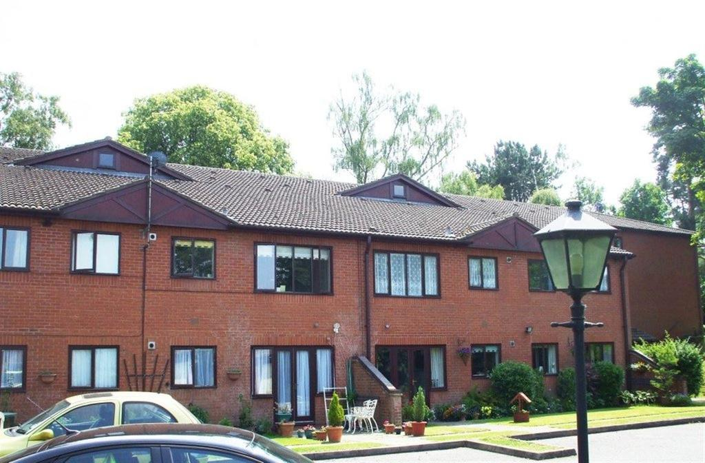2 Bedrooms Flat for rent in The Links, Kidderminster, Worcestershire