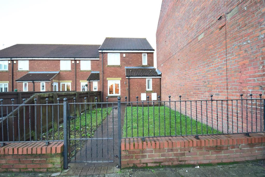3 Bedrooms Terraced House for sale in Londonderry Mews, Tunstall Village Road, Sunderland
