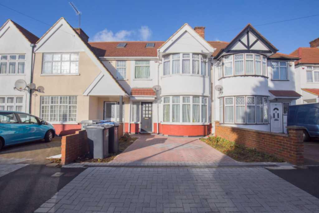 3 Bedrooms House for sale in Princes Avenue, Kingsbury, NW9