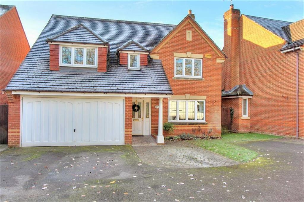 4 Bedrooms Detached House for sale in Pine Road, Hiltingbury, Chandlers Ford, Hampshire