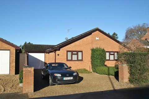 2 bedroom detached bungalow for sale - Coronation Road, Verwood