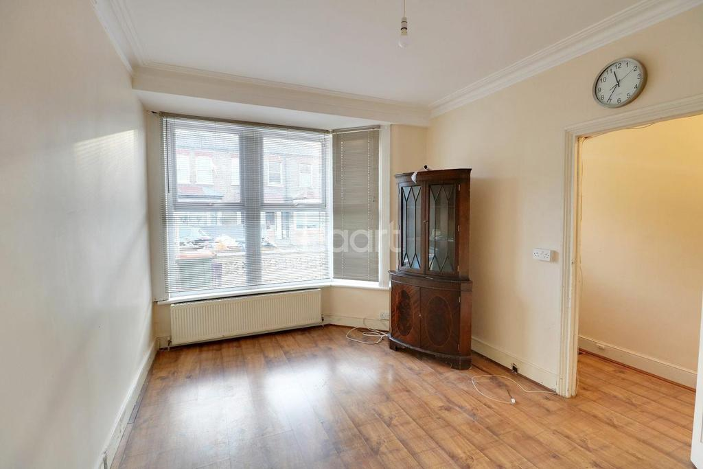 3 Bedrooms Terraced House for sale in Wolsey Avenue, East Ham