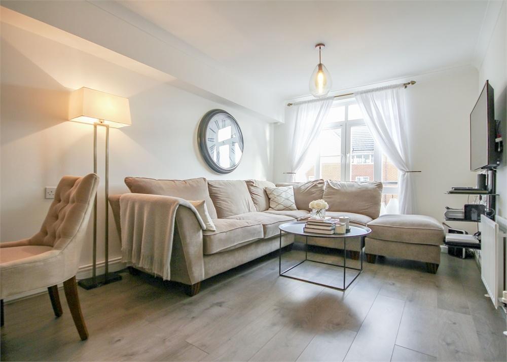 1 Bedroom Flat for sale in Twelve Trees House, Cambridge Road, Crowthorne, Berkshire