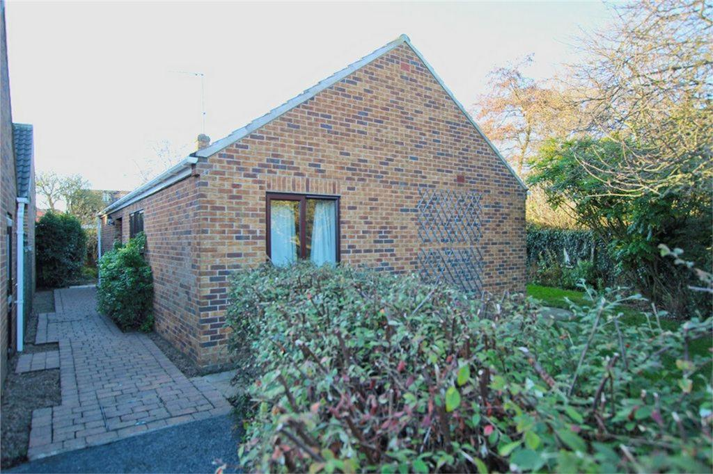 3 Bedrooms Detached Bungalow for sale in Burney Close, Beverley, East Riding of Yorkshire