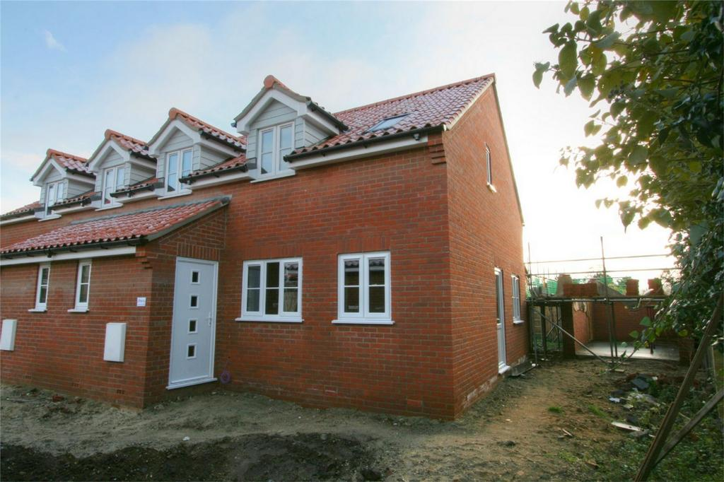 3 Bedrooms Semi Detached House for sale in Sycamore Court off Attleborough Road Gt Ellingham, Attleborough NR17 1LG, Norfolk