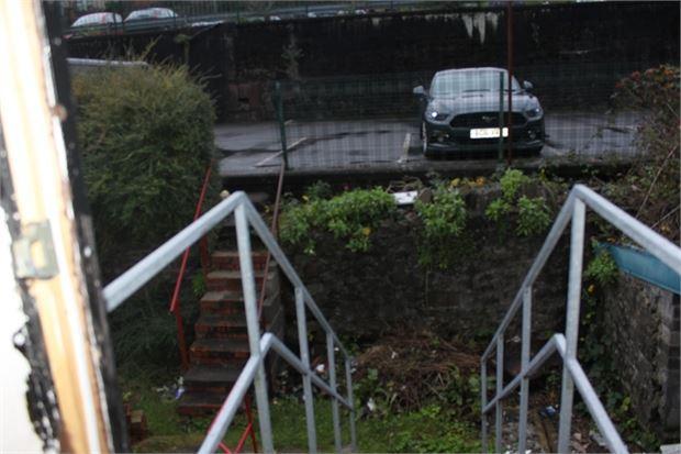 2 Bedrooms Flat for rent in Dunraven Street, Tonypandy, Rhondda Cynon Taff. CF40 1AQ