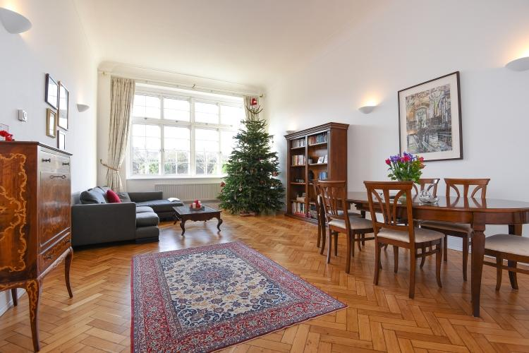 2 Bedrooms Flat for rent in Rosebery Avenue Clerkenwell EC1R