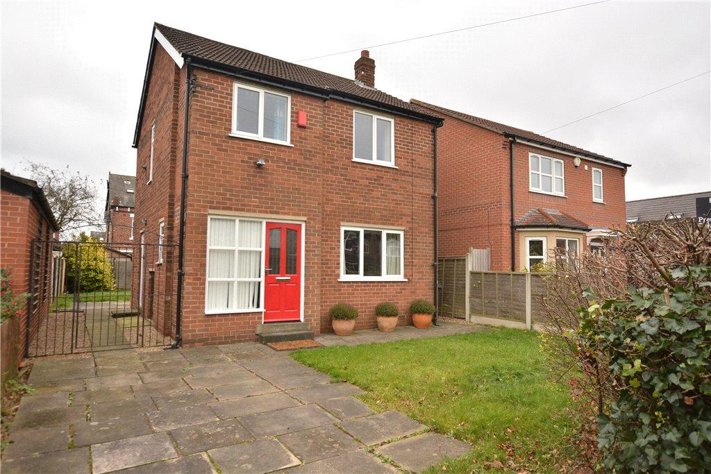 3 Bedrooms Detached House for sale in Roper Avenue, Roundhay, Leeds