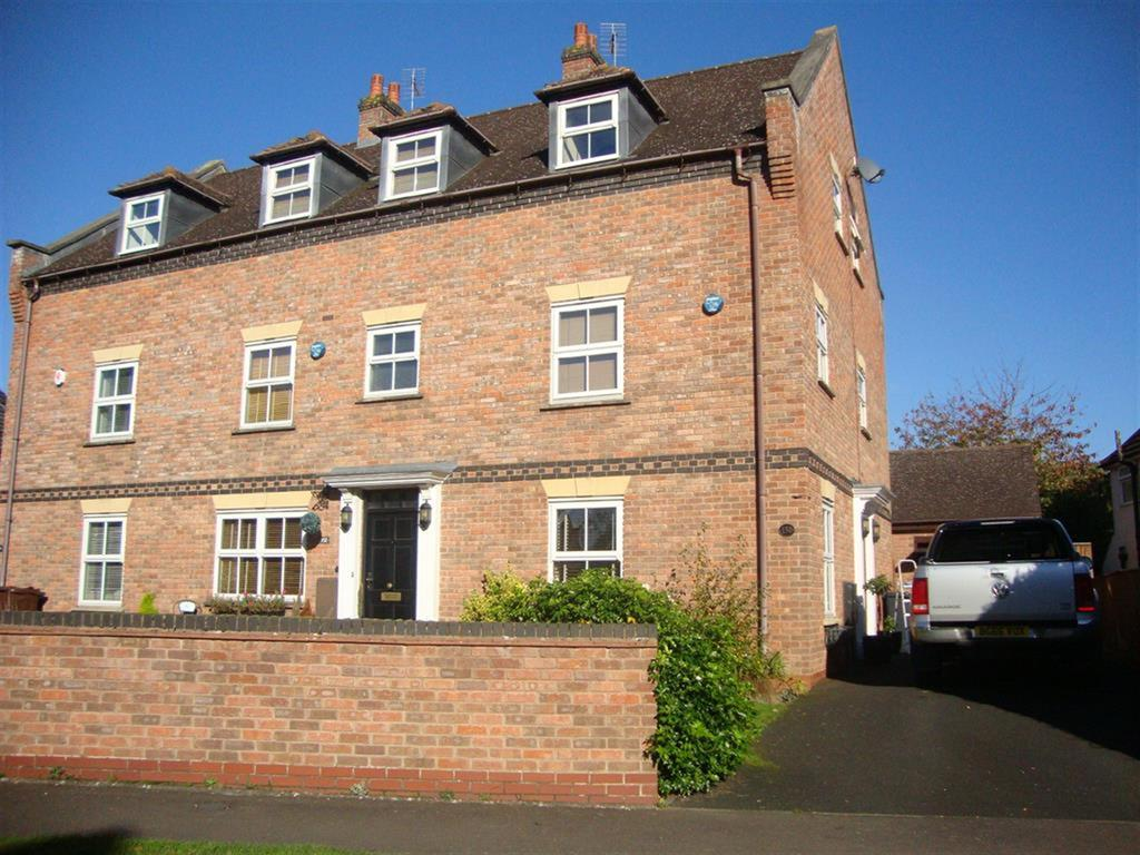 4 Bedrooms Town House for rent in Tythe Barn Lane, Solihull, B90 1PF