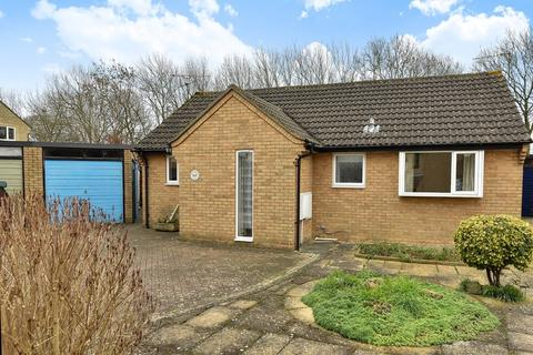 2 bedroom detached bungalow for sale - Cirencester