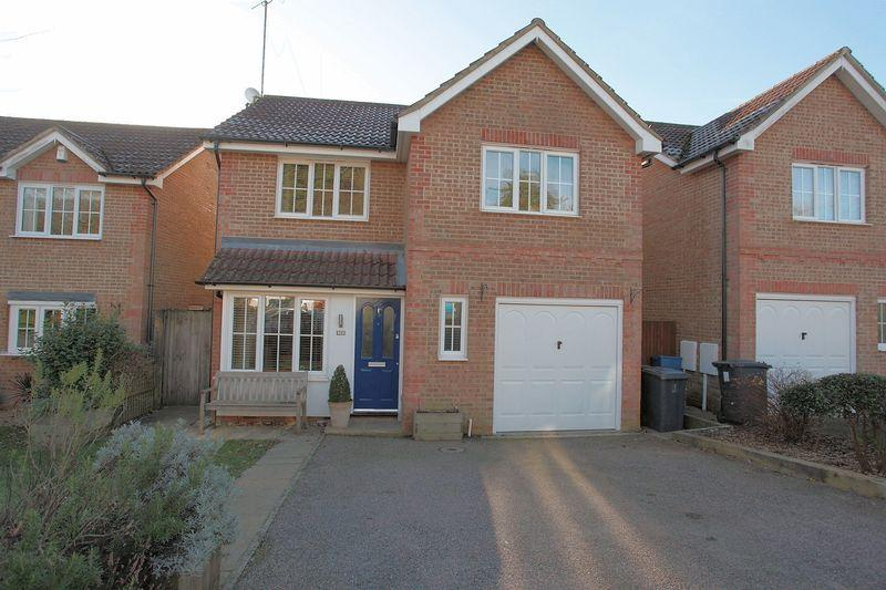 4 Bedrooms Detached House for sale in Welland Close, Crowborough, East Sussex