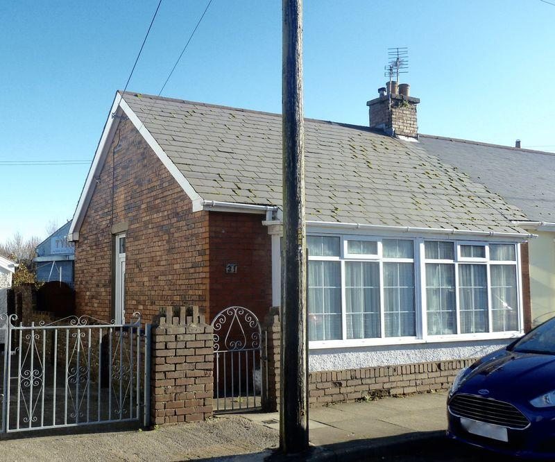 2 Bedrooms Semi Detached Bungalow for sale in Jenkin Street Bridgend CF31 3AN