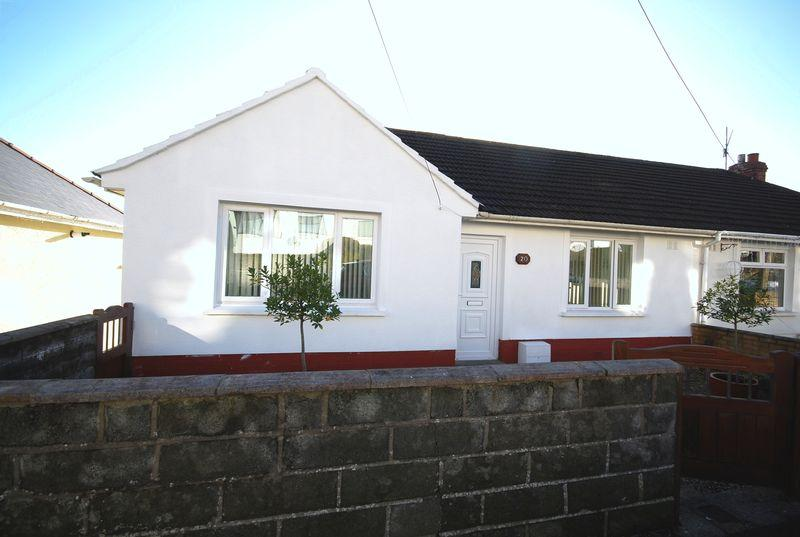 3 Bedrooms Semi Detached House for sale in 20 Park Drive Neath SA10 6SF