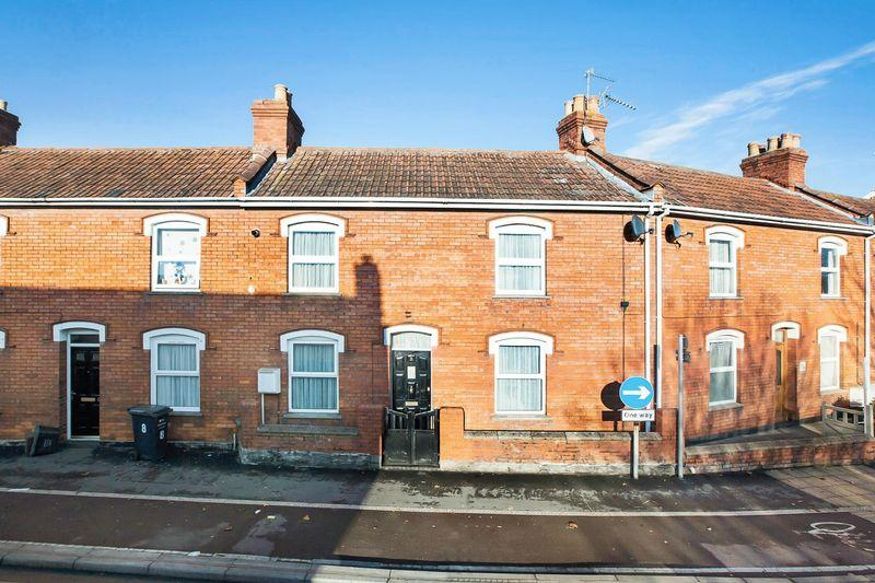 2 Bedrooms Terraced House for sale in Cranleigh Gardens, Bridgwater