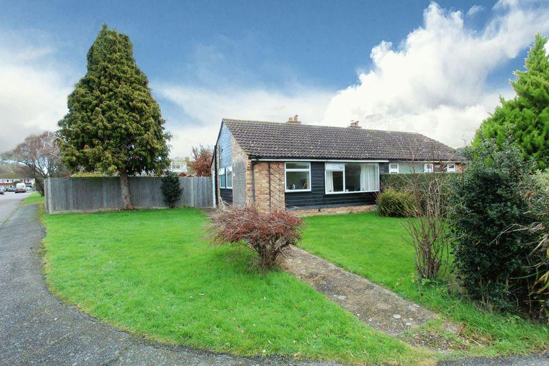 2 Bedrooms Bungalow for sale in Downsview, Small Dole