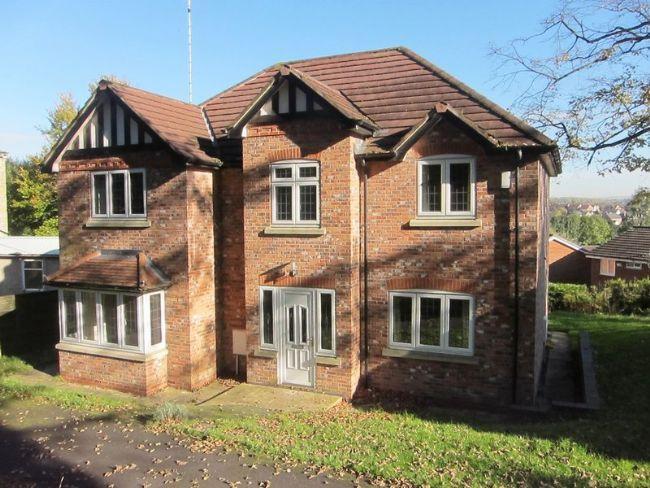 4 Bedrooms Detached House for rent in Edenfield Road, Norden