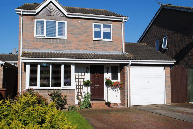 3 Bedrooms Detached House for sale in Greenfield Drive, Hibaldstow, DN20 9QE