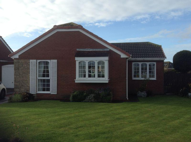 3 Bedrooms Bungalow for sale in Epsom Way, South Beach, Blyth