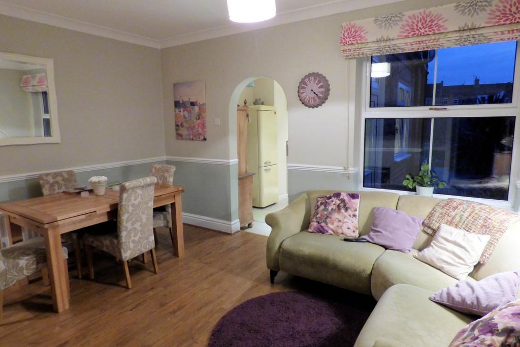 4 Bedrooms Terraced House for sale in Malvern Street, Burton-on-Trent