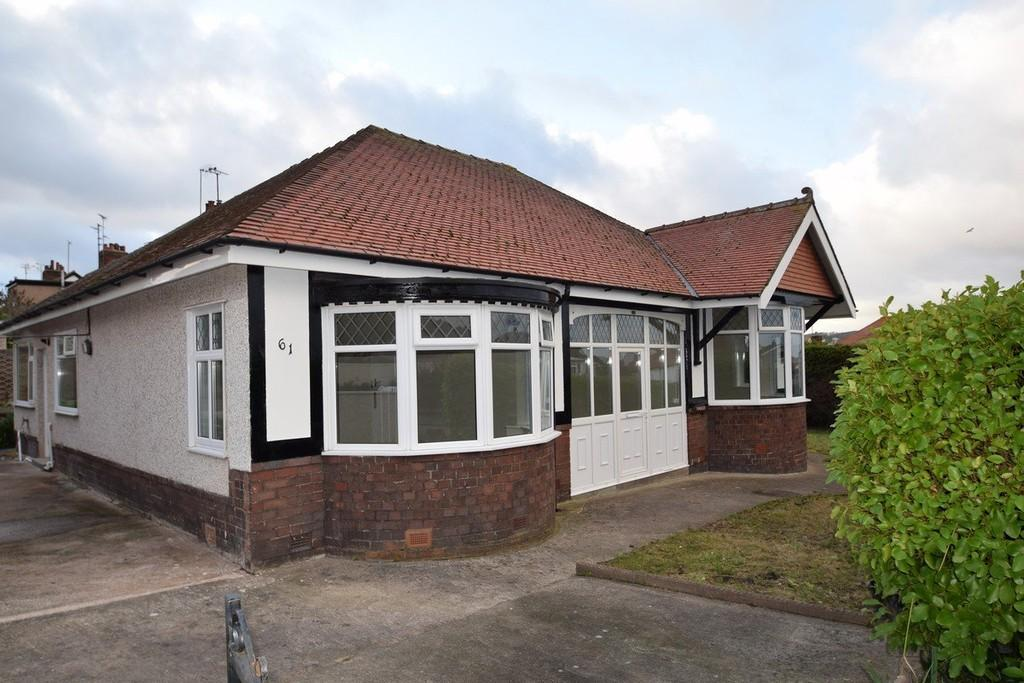 3 Bedrooms Detached Bungalow for sale in Llandudno Road, Rhos On Sea