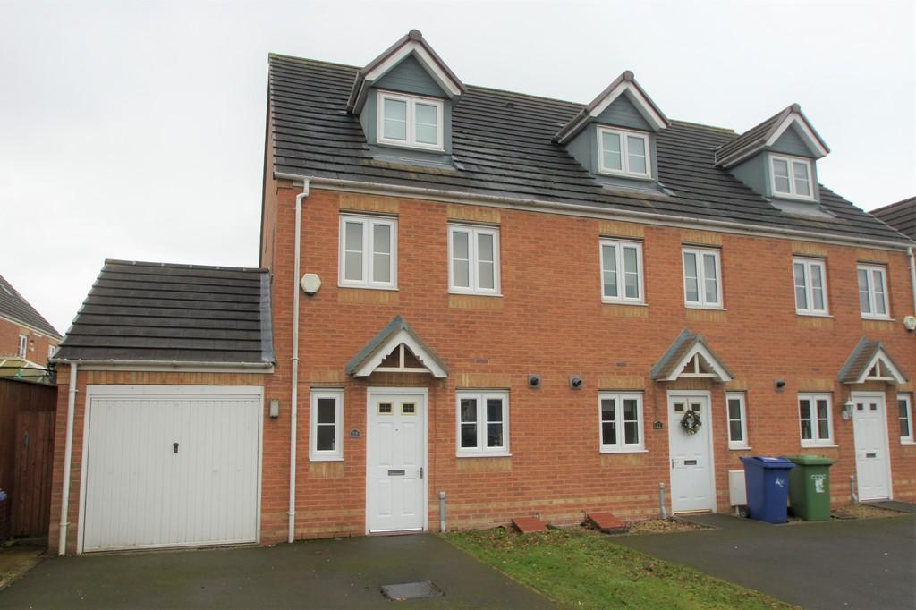 3 Bedrooms Town House for sale in Strauss Drive, Heath Hayes, Cannock
