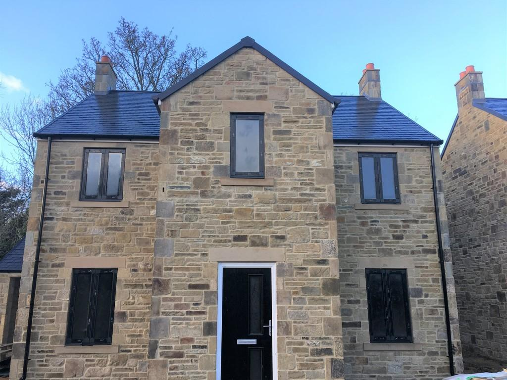 4 Bedrooms Detached House for sale in Burnside Yard, Stocksfield