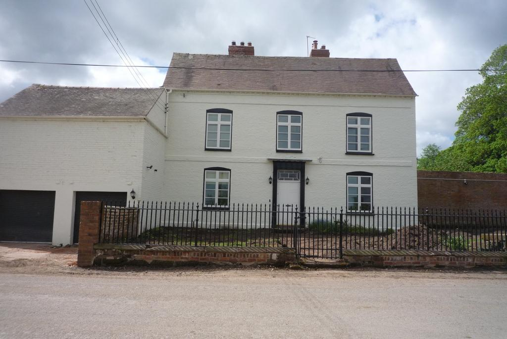 7 Bedrooms Farm House Character Property
